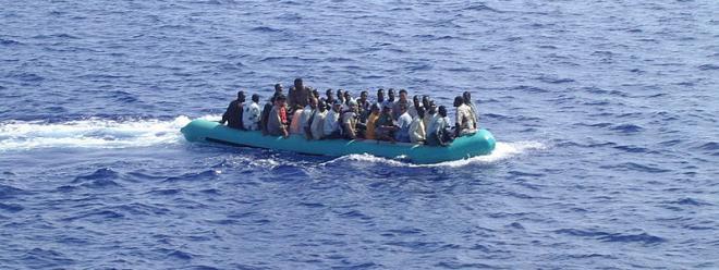 Photo: Ankunft von Immigranten auf Lampedusa / Micniosi / public domain